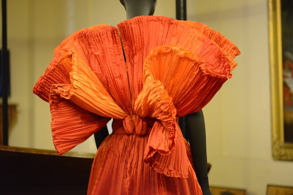 Capucci, Capriccio, 2002, Red dress for the Countess, detail